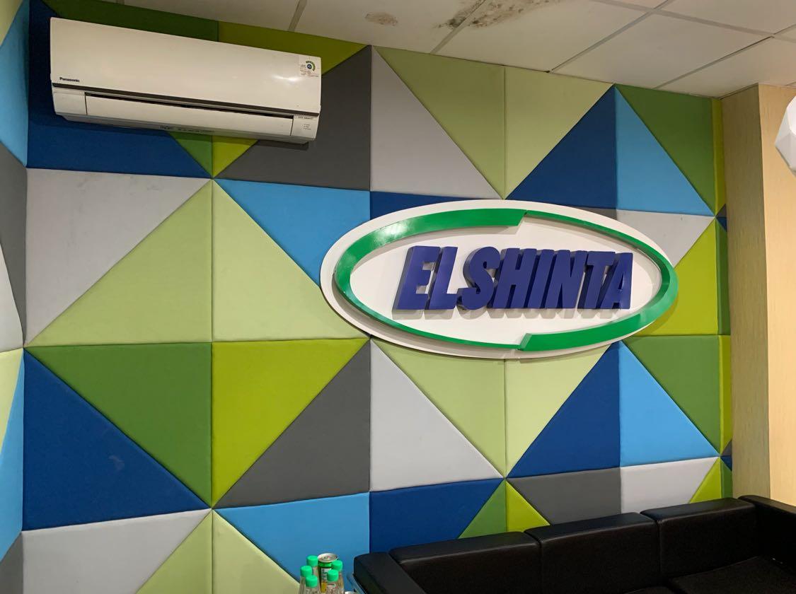 Radio Elshinta adalah salah satu pioneer dalam radio siaran 24 jam nonstop tanpa memutar lagu sama sekali sejak 14 Februari 2000. Siaran Elshinta News/Talk 24 jam juga bisa kita nikmati melalui aplikasi #ElshintaMobile yang dapat kita unduh via GooglePlay atau AppStore