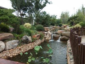 Gambaran sungai ini juga mengisahkan cerita dalam buku lagu China.