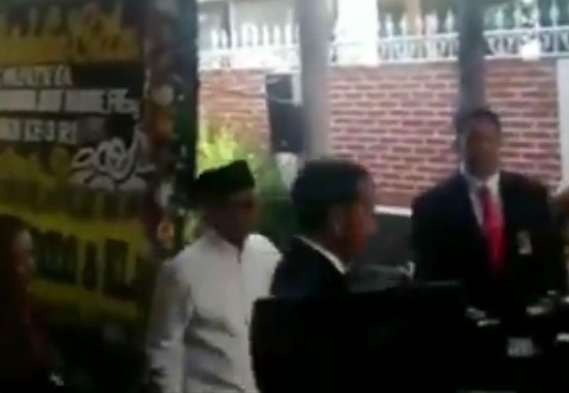 Presiden RI Joko Widodo pagi ini melayat ke kediaman Alm. BJ Habibie di Kuningan, Jaksel. (Mur)